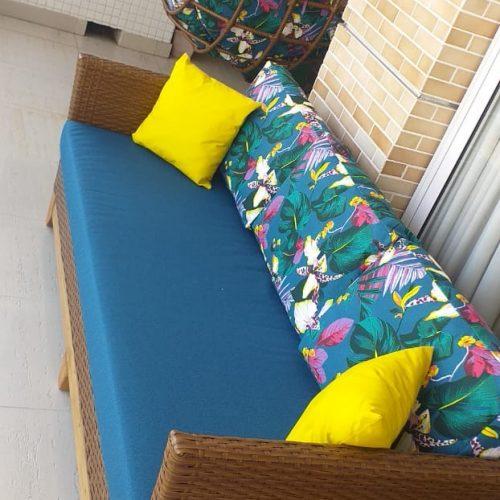 sofa pes de madeira