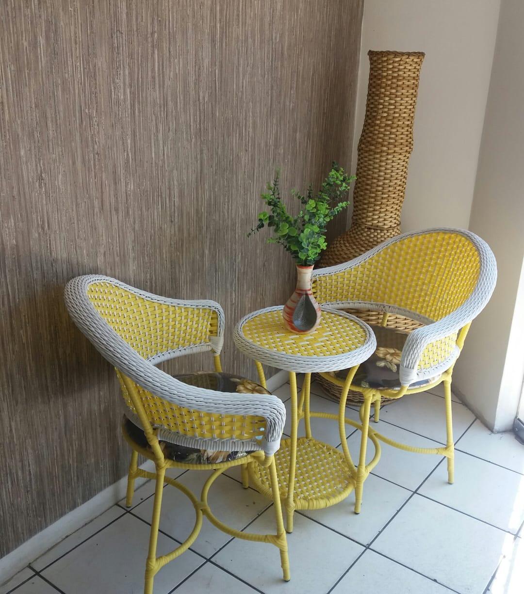 mam-moveis-mesa-de-centro-e-poltronas-turiassu-em-fibra-sintetica-para-sacadas-e-varanda–yellow